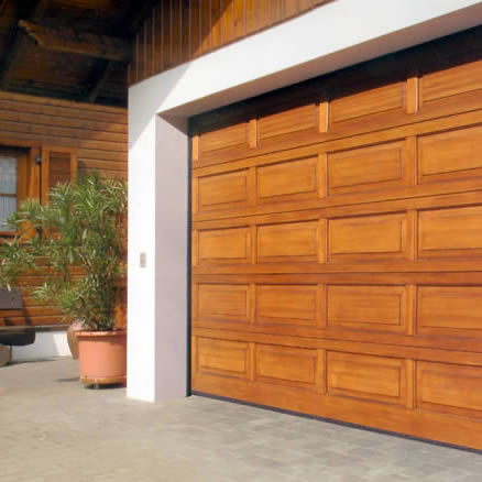I diversi tipi di porta del garage consigli e usi for Diversi tipi di case da costruire